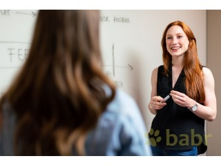 Are you looking for a translator and interpreter with an economic education in Lugano?